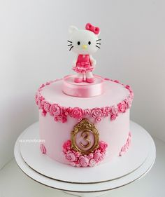 Тортик с Хеллоу Китти для девочки на 3 года в классическом розовом цвете))