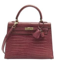 HERMÈS 1999  Sac KELLY 25 cm Crocodile d'estuaire rose fuschia (Crocodylus porosus) II/B Garniture métal plaqué or  25... Kelly Bag, Most Expensive, Plaque, Winter Collection, Hermes Kelly, Crocodile, Pink, Handbags, Rose