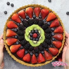 Bake Fruit Pizza Chocolate Tart – simple and decadent fruit tart that's u. No Bake Fruit Pizza Chocolate Tart – simple and decadent fruit tart that's u., No Bake Fruit Pizza Chocolate Tart – simple and decadent fruit tart that's u. Make Ahead Desserts, Easy Desserts, Delicious Desserts, Dessert Recipes, Yummy Food, Baking Desserts, Potluck Desserts, Summer Desserts, No Bake Desserts