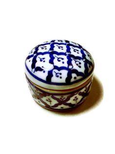 Vintage Trinket box Cobalt Blue and white by WeeLambieVintage, $8.00
