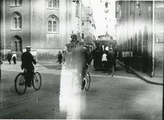 De sidste omnibusser i Købmagergade i København 1917. Til venstre ses Rundetårn, til højre Regensen.