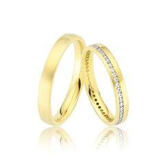 Modelul de verighete ZANIYA face parte din linia Infinity. Linia de verighete Infinity se deosebeste prin designul clasic si deosebit dat de insiruirea pietrelor de diferite marimi si monturi. Aceasta linie de verighete se deosebeste prin unul sau doua randuri de pietre si linii de aur galben sau alb, modelele liniei Infinity seducand prin stralucirea de neegalat a cristalelor sau a diamantelor  Culoare  Galben Gramaj aproximativ  6.50 gr. Latime  3.00 mm Specificatii piatra  0.45 ct…