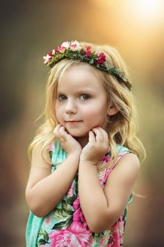 Toddler portrait with flower crown Modeling head shot. Toddler portrait with flower crown Modeling head shot. Toddler Portraits, Toddler Poses, Kid Poses, Sibling Poses, Family Portraits, Baby Portraits, Toddler Girl Photography, Children Photography Poses, Portrait Photography