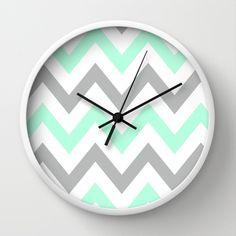Grey Chevron Walls, Living Room Kitchen, Living Room Decor, Diy Clock, Clock Ideas, White Wall Clocks, Clock Painting, Wall Watch, Mint