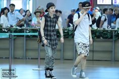#luhan  #sehun  #exo  #exo m  #photo  #photo: fantaken  #airport  #august 2013   (1500×1000)
