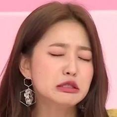 Red Velvet, Reaction Face, Face Icon, Red Pictures, Kim Yerim, Funny Vines, Red Queen, Meme Faces, Seulgi