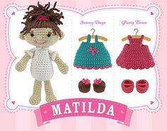 Muñeca desnuda con muchos complementos y gran fondo de armario ;-))