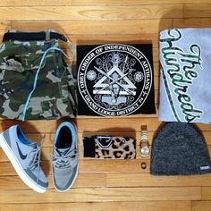 A great outfit posted by @jeffnosleeves featuring pieces from @The Hundreds @Neff Headwear @nixon_now @Stance @OBEY Clothing (www.obeyclothing.com) @juan rodriguez #zumiezlife #myzumiez