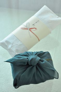 のしと風呂敷 Noshi and Furoshiki (Japanese gift wrapping)