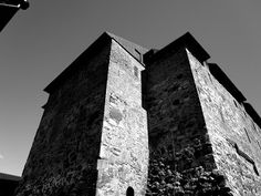 Black and white photography: Gothic and medival scenes & vibes at Hämeenlinna castle