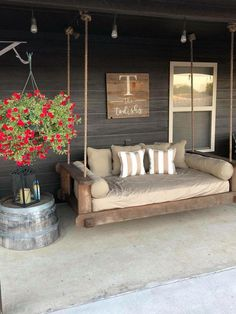 Some Great Suggestions for Springtime Patio Furniture – Outdoor Patio Decor Modern Farmhouse Porch, Farmhouse Style, Farmhouse Decor, Farmhouse Front, Modern Porch, Primitive Homes, Primitive Country, Primitive Decor, Front Porch Seating