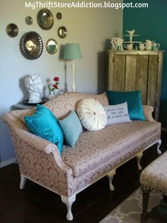 My Thrift Store Addiction : Friday's Find: A Home for Rosie!#VintageSofa #ThriftStoreStyle #FabulousFinds