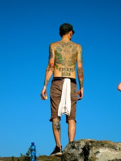 Chester Bennington - Linkin Park Love the tattoos!