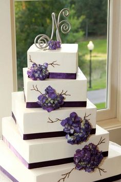 Pretty Purple Hydrangea Cake.    *Photo by: Wendi Curtis Photography