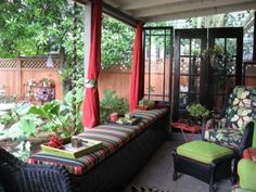Sun-Room Patio Enclosure- Is It The New Way To Refresh Your Lifestyle http://yazaad.net/sun-room-patio-enclosure-is-it-the-new-way-to-refresh-your-lifestyle/
