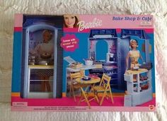 2000 Bake Shop and Café Playset