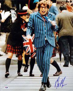Mike Myers Autographed 16x20 Photo Austin Powers PSA/DNA