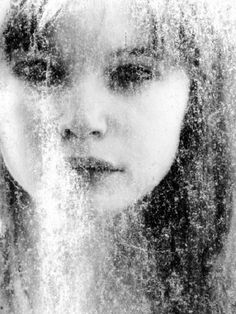 Mysterious portraits by Henri Senders - Beauty will save