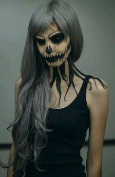 Spooky but gorgeous looking Halloween makeup. Be the death eater with this black themed dark ghoul makeup. Step it up with a pair of all black sclera contacts and scare your way all throughout Halloween. Creepy Halloween Makeup, Scary Halloween Costumes, Scary Makeup, Halloween Makeup Looks, Halloween Diy, Pretty Halloween, Terrifying Halloween, Joker Halloween, Halloween Couples