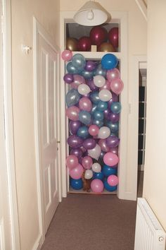 Imagem de balloons, party, and grunge Soft Grunge, Kasimir Und Karoline, Teenage Wasteland, Pin Up, Mabel Pines, Grunge Photography, Festa Party, Models, Party Time