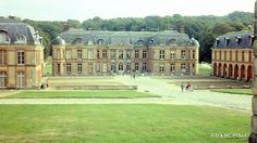 1982 Le chateau de Dampierre