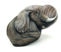 Elephant, hand painted on a large, natural shaped stone by Ernestina Gallina, Pietrevive. https://www.facebook.com/pietrevive.ernestina