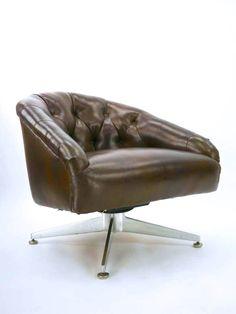 Ward Bennett; Cast Aluminum Base Lounge Chair for Lehigh Leopold, c1965.