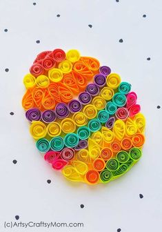Paper Quilling Easter Egg Craft Colorful Easter eggs are the most identifying feature of this holiday! Make your own with this easy and bright Paper Quilling Easter Egg Craft! Bunny Crafts, Glue Crafts, Easter Crafts For Kids, Easy Crafts, Diy And Crafts, Paper Crafts, Cardboard Crafts, Recycled Crafts, Art Quilling