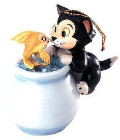 Walt Disney Classic Collection Purrfect kiss ornament (WDCC)