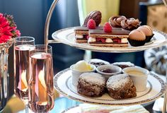 Valentines ideas for those with a sweet tooth #AfternoonTea #PinkChampagne