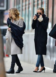 Urban Street -Ready Style| Serafini Amelia|  Mary-Kate and Ashley Olsen.