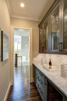 MBIA 2018 BRONZE Award for Speculative Transitional Home.  Builder: Laurence Cafritz Builders.  #butlerpantry