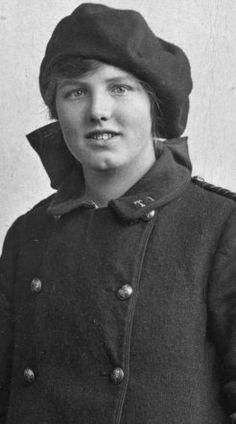 U.K. WWI 1914-18 telegram girl