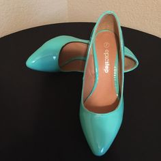 """Cute/Sassy Springtime Patent Heel! Gently used Teal/Turquoise Patent Wedge. 4"""" closed toe wedge. A few minor scuffs as shown in pic. Epic Step Shoes Wedges"""