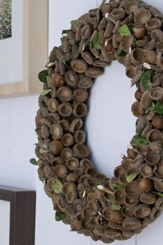 Acorn Wreath- This has got to be my favorite! Autumn Wreaths, Christmas Wreaths, Christmas Crafts, Christmas Decorations, Holiday Decor, Wreath Crafts, Diy Wreath, Door Wreaths, Acorn Crafts