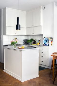 I'm into tiny kitchens with lots of counter space.