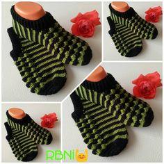 Crochet Slippers, Knitting Socks, Fingerless Gloves, Arm Warmers, Lana, Gallery, Instagram, Loafers & Slip Ons, Washroom