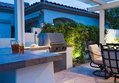 Slik bygger du utekjøkken med praktisk flisbenk Backyard, Patio, Terrazzo, Outdoor Decor, Plants, Gardening, Image, Home Decor, Outdoors