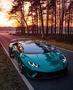 Lamborghini Gallardo, Lamborghini Photos, Lamborghini Diablo, Lamborghini Huracan, Green Lamborghini, Sports Cars Lamborghini, Bugatti Cars, Maserati Sports Car, Bmw Sports Car
