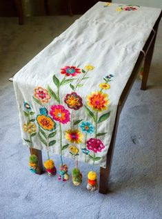 Repurposed boho bench cover from a table runner.I loved the results!, Repurposed boho bench cover from a table runner.I loved the results! Hand Embroidery Patterns, Vintage Embroidery, Embroidery Art, Embroidery Stitches, Machine Embroidery, Hungarian Embroidery, Broderie Simple, Bench Covers, Lazy Daisy Stitch