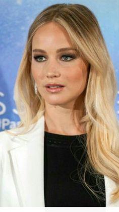 Beautiful Long Hair, Beautiful Eyes, Gorgeous Women, Jennifer Lawrence Video, The Burning Plain, Charlize Theron, Best Actress, American Actress