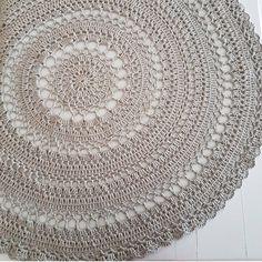 "Hobby Farm In Forrest / auf Instagram: ""#crochet #crocheting #crochetblanket #crochetlove #crochetrug #crochetersofinstagram #tığişibattaniye #hobbyfarm #hobbyfarm #hobbycraft…"""