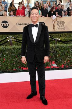 See photos from the red carpet at the 2017 Screen Actors Guild Awards Sag Awards, It's Raining, Gorgeous Men, Red Carpet, Actors, Formal, Fashion, Preppy, Moda