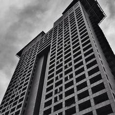 #bs_bnw  #building_shotz  #buildingstylesgf  #bnwmood  #bnw_city  #bnw_captures  #bnw_zone by mercedes49