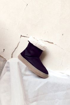 Sustainable vegan slipper boots, made from organic cotton. Slipper Boots, Vegan Shoes, Ethical Fashion, Shoe Brands, Ugg Boots, Black Boots, Uggs, Organic Cotton, Charcoal