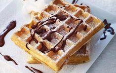 Βάφλες με σοκολάτα και ζάχαρη άχνη - iCookGreek Eat Smarter, Food Processor Recipes, Muffins, Sweets, Sugar, Snacks, Breakfast, Desserts, Annie Sloan