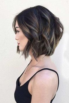 Calling all the brunette ladies! 20 Best Must-Try Brunette Bob Haircuts that would look definitely great on you. Check our gallery below and get inspired by these gorgeous bob hairstyles! Short Curly Haircuts, Layered Bob Hairstyles, Curly Hair Cuts, Hairstyles Haircuts, Curly Hair Styles, Bob Haircuts, Bob Hairstyles For Thick Hair, Black Hairstyles, Curly Short