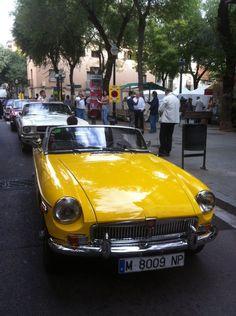 Coche clásico en la 6ª Trobada Clàssics de Sant Andreu.