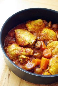 Ági főz: Paradicsomos csirke, gesztenyével és kakukkfűvel Naan, Curry, Pork, Sweet, Ethnic Recipes, Kale Stir Fry, Candy, Curries, Pork Chops