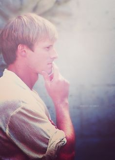 Arthur Pendragon (Merlin BBC) the actor is a cutie but the character 'Arthur  is such an arse to Merlin!! ugh!